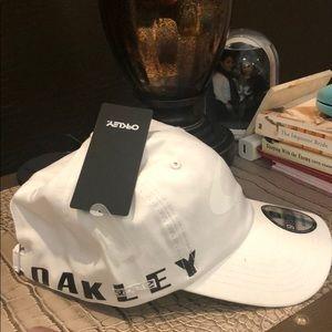 Oakley baseball hat 🧢
